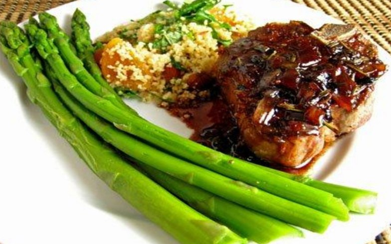 Lamb Chops with Sweet Pomegranate Balsamic